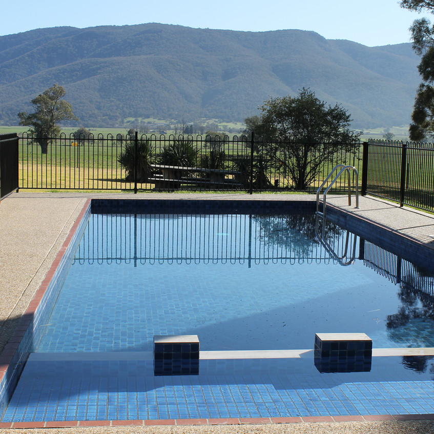 pool corryong accommodation best motel h