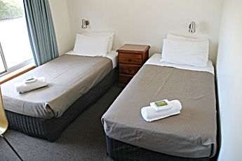 double queen family room single corryong motel