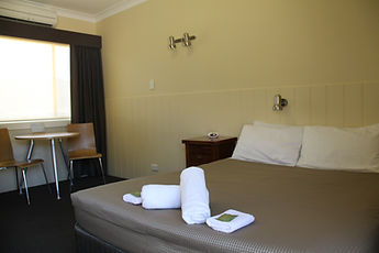 double queen room single corryong motel