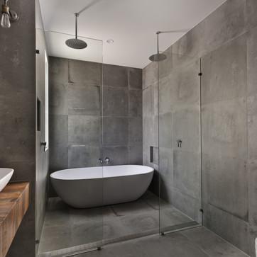 Modern bathroom in luxury apartment.jpg