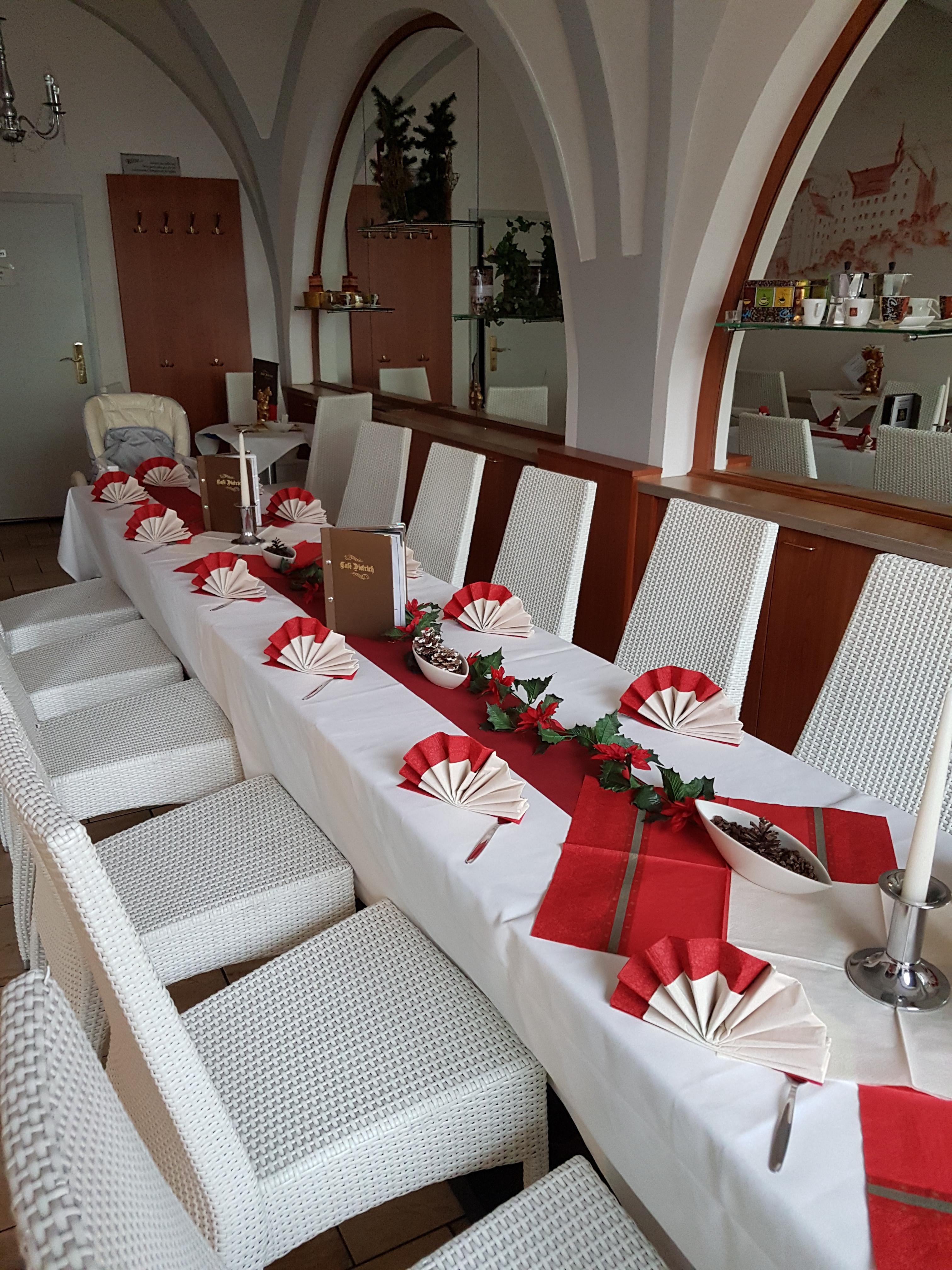 Festlichkeiten im Café Colditz
