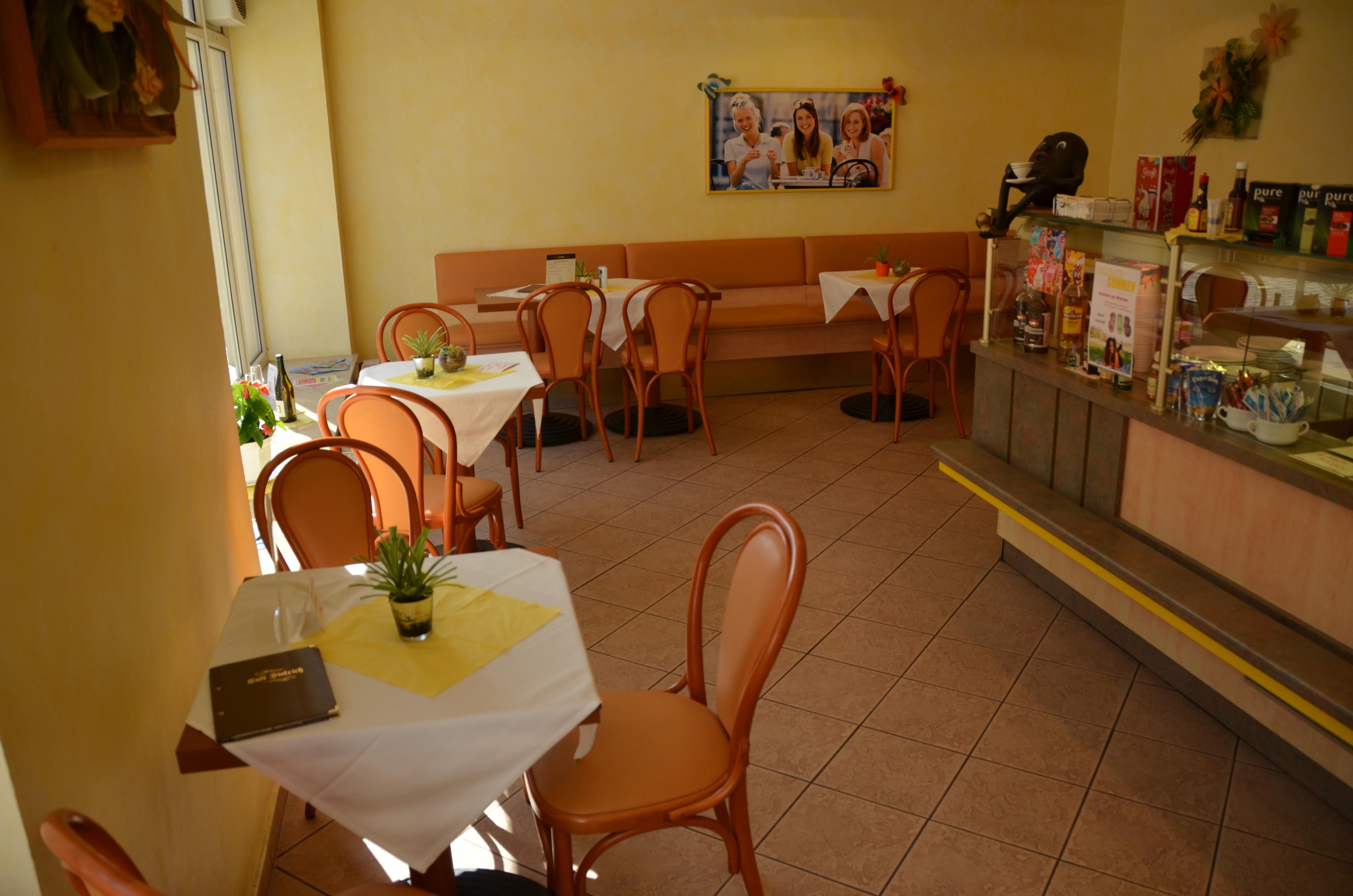 Festlichkeiten im Café Waldheim