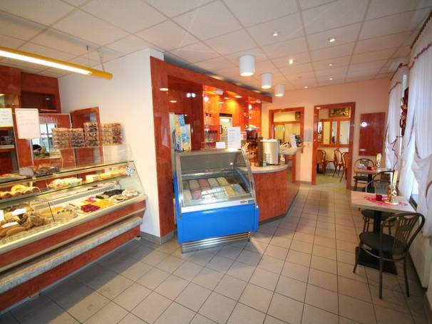 Cafe Hartha kleiner.JPG