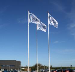 flag med logo