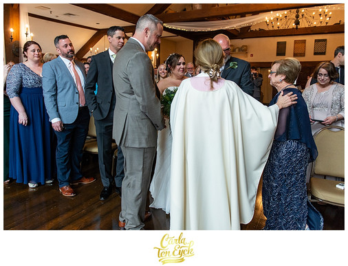 PUBLIC-HOUSE-WEDDING-STURBRIDGE-MA-CARLA