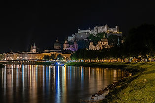 Austria_Salzburg_Rivers_Houses_Night_568
