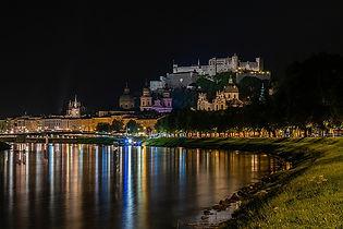 Austria_Salzburg_Rivers_Houses_Night_568