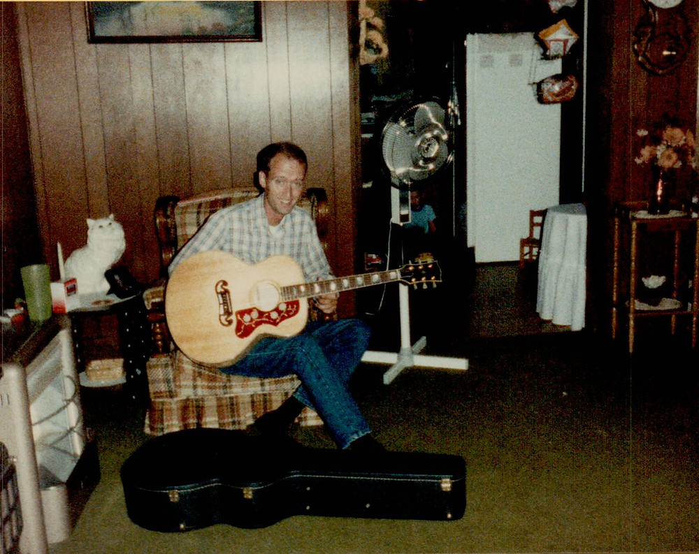 Roger Corn with his brand new Gibson J-200. Check out that grin!