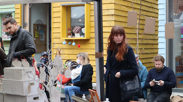 Blue House Yard art market (12 Sep)
