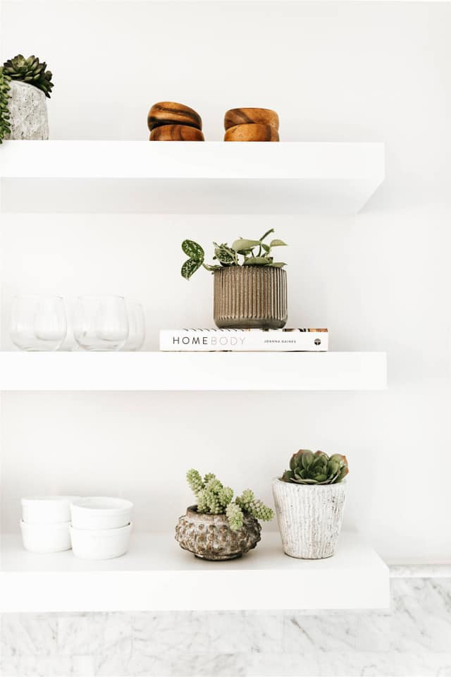 Altaire shelving