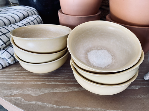 Butter Yellow Stoneware Bowl with Reactive Glaze