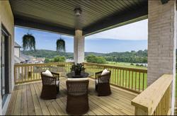 Outdoor Deck - Luxury