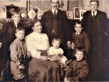 Photo William Joseph Daley Alice Winford Ford with Family early 1900's
