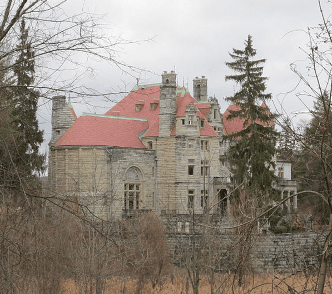 photo-1204-2019-searles-castle.png