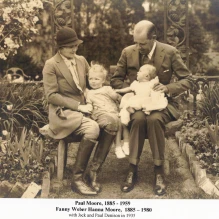 Photo Paul and Fannie Weber Hanna Moore with Children