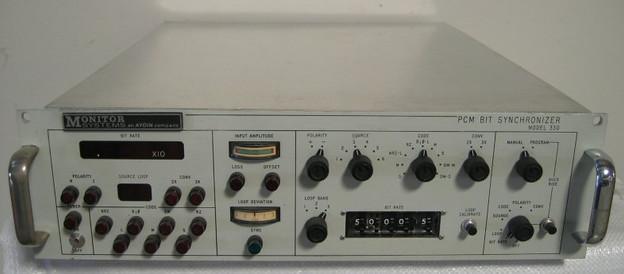 330 PCM Bit Synchronizer