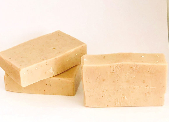 Queen Nailah Sweet Oatmeal Milk & Honey Soap