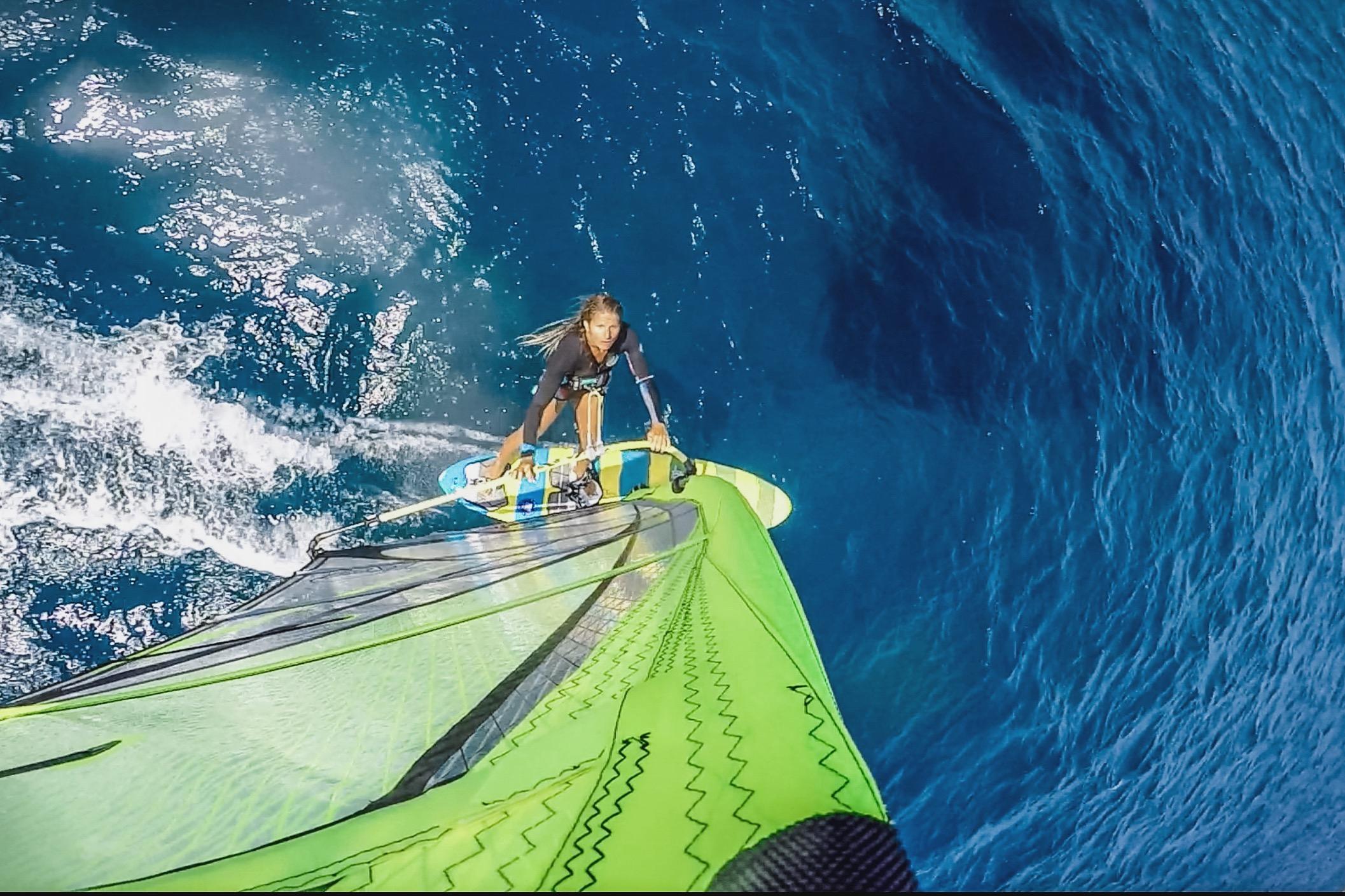 Sylvie beim Windsurfen