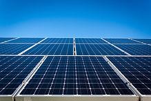 Solar und Photovoltaik für dein Haus oder Gartenhaus. Egal ob auf de Dach oder der Garage. SOLARANKER macht Ihren solaren Traum wahr!