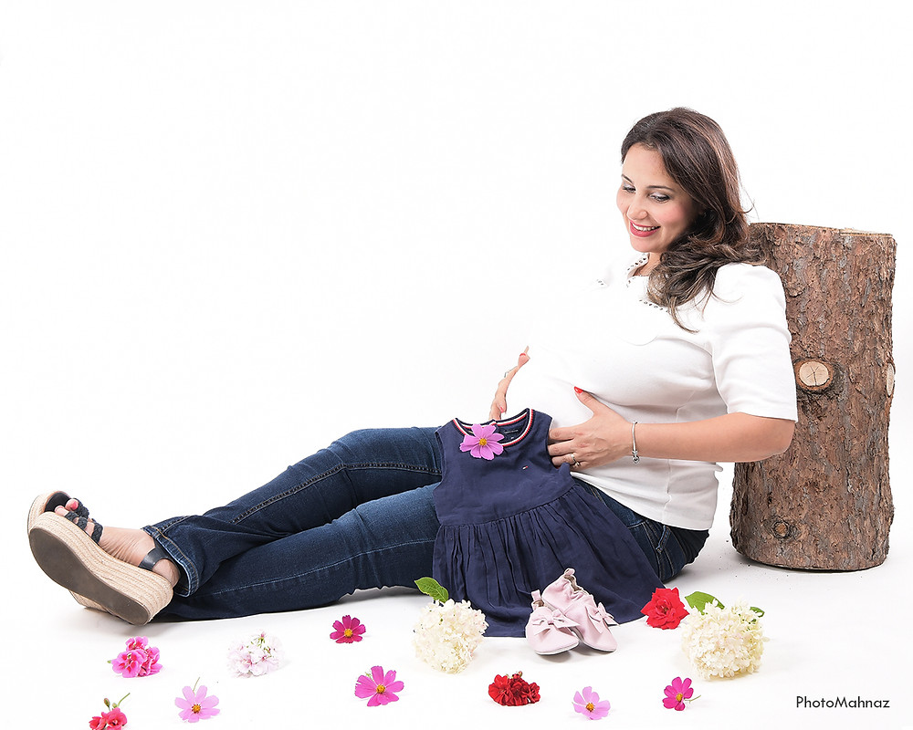 How to Make a Bright and White Background​ for Pregnancy Photography