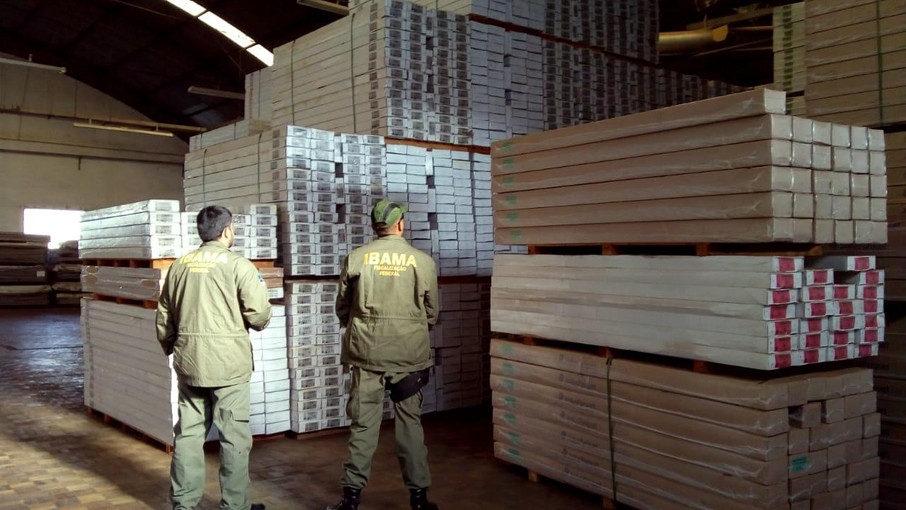 Us Flooring Giant Buying Tropical Wood From Brazilian Firm At Centre O
