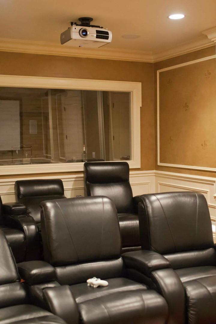 Maison duChene - Media Room