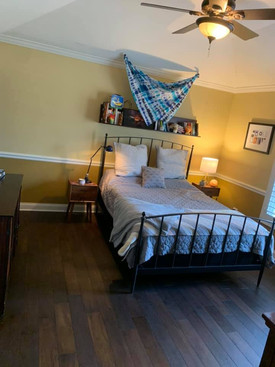 Maison du Foi bedroom after