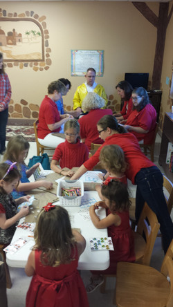Lunch Bag Decorating SS and Outreach 2014.jpg