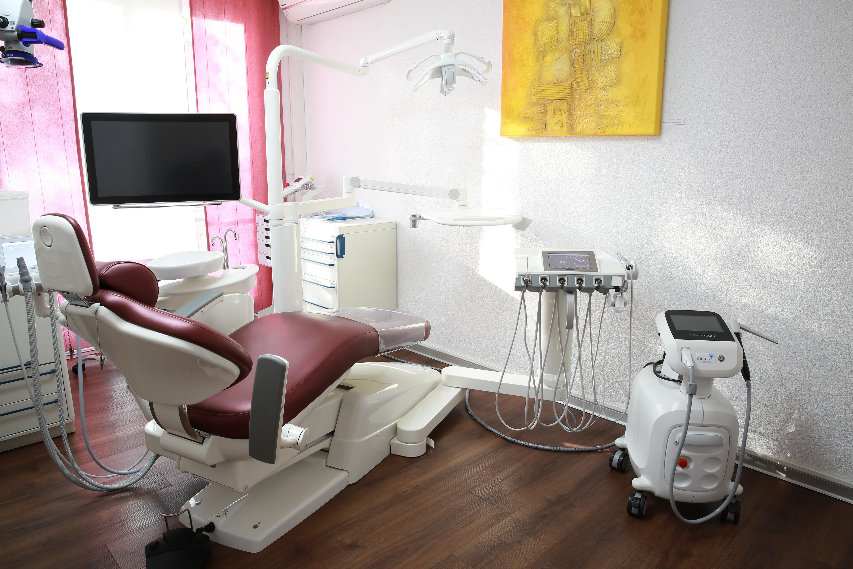 Behandlungszimmer B&M Zahnärzte