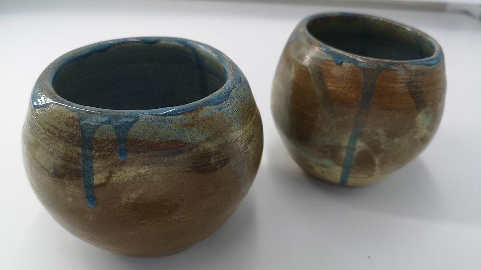 2 little round cups