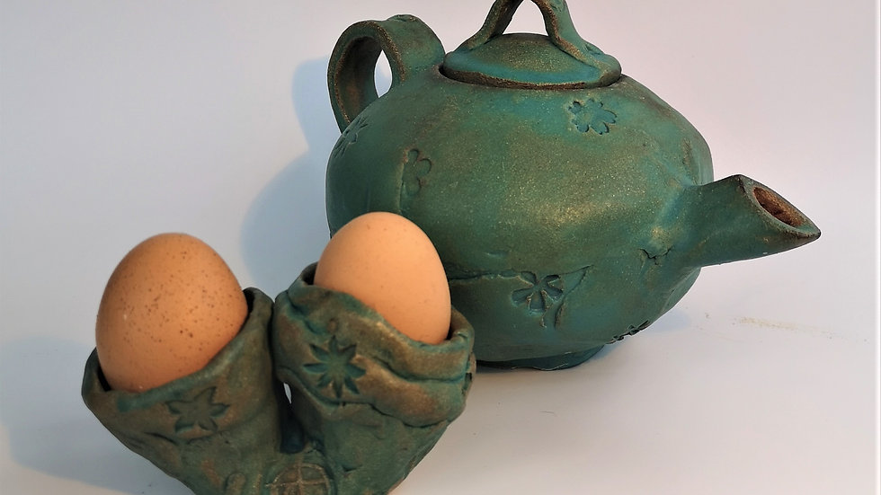 Tea pot and double egg cup