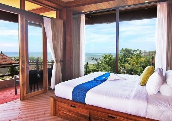 udara-beach-resort-yoga (3).jpg