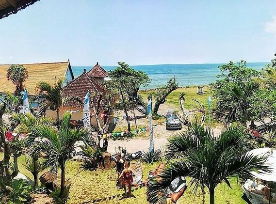 udara-beach-resort-yoga (6).jpg