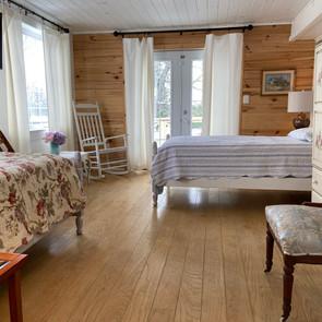 Large Semi-private Sun Room