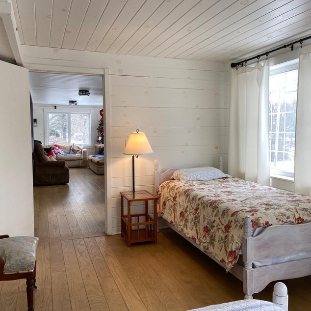 Large Semi-private Sun Room 2