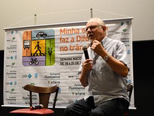 A Semana Nacional de Trânsito foi encerrada com a palestra dos escritores