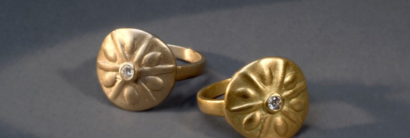 "AQUATICS ""SAND DOLLAR"". GOLD, DIAMONDS"