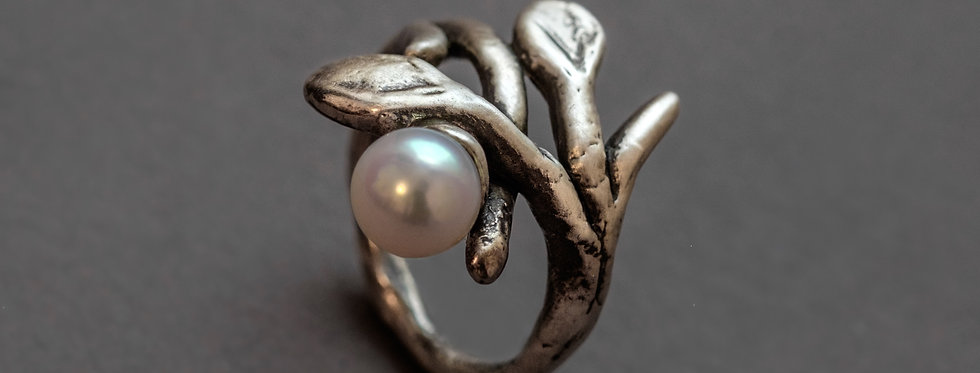"FLORA ""BRANCH"". SILVER, FRESHWATER PEARL"