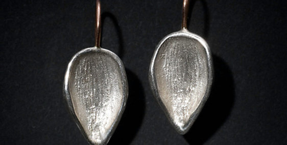 """THINGS THAT HOLD. """"TEARDROP"""". SILVER, ROSE GOLD"""