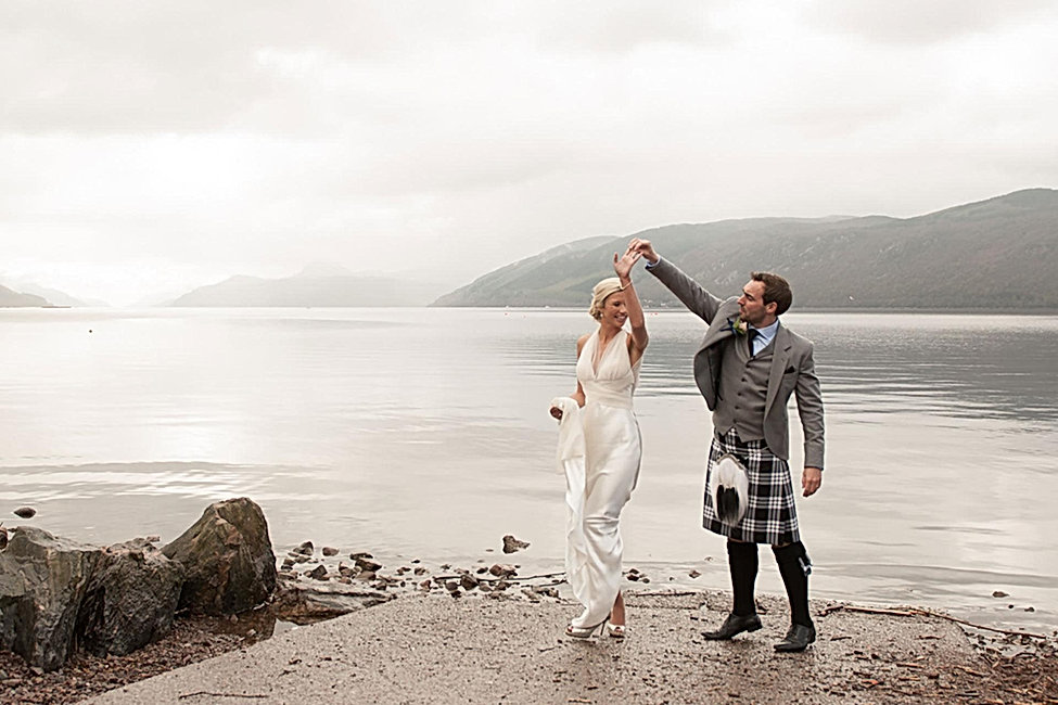 married-couple-loch-ness.jpg