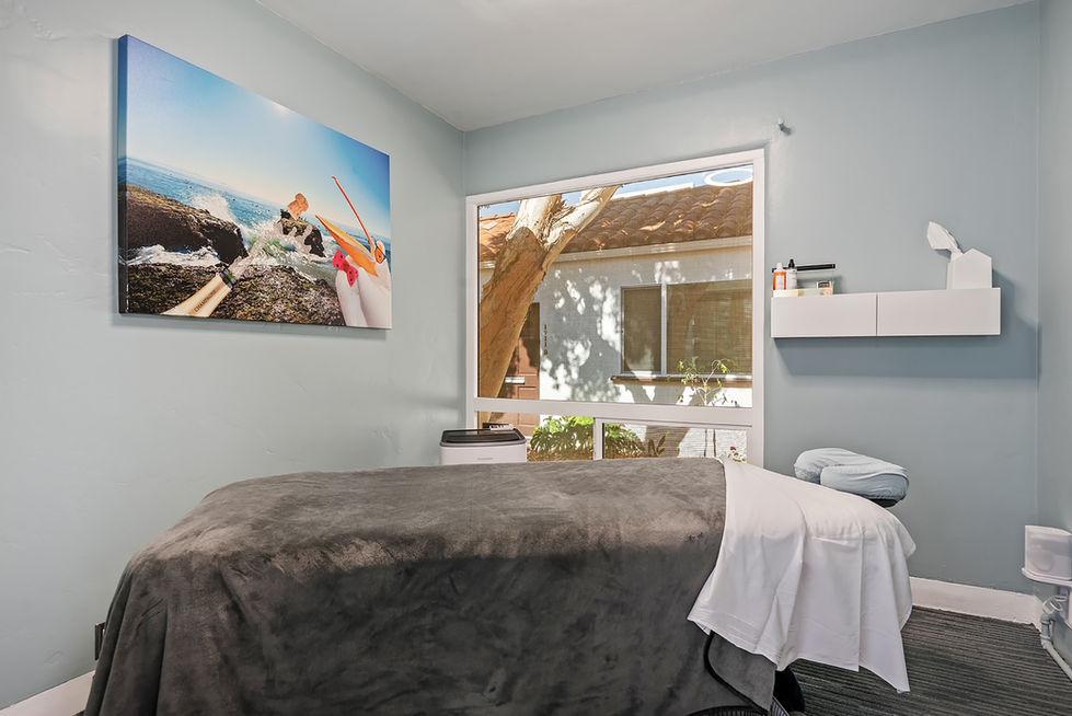 08 - massage room 2.jpg