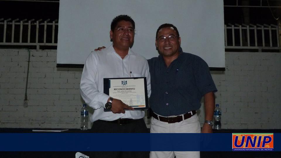Mtro. Simitrio Ruiz Martínez y Rector Lic. Andrés Ríos Matus