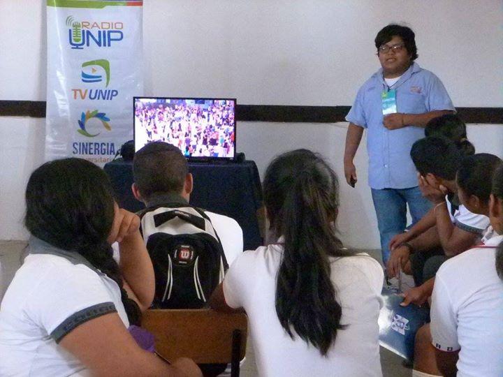 Brian Reséndiz Rodríguez Compartiendo su experiencia como Director del Documental _El Muerto al Pozo