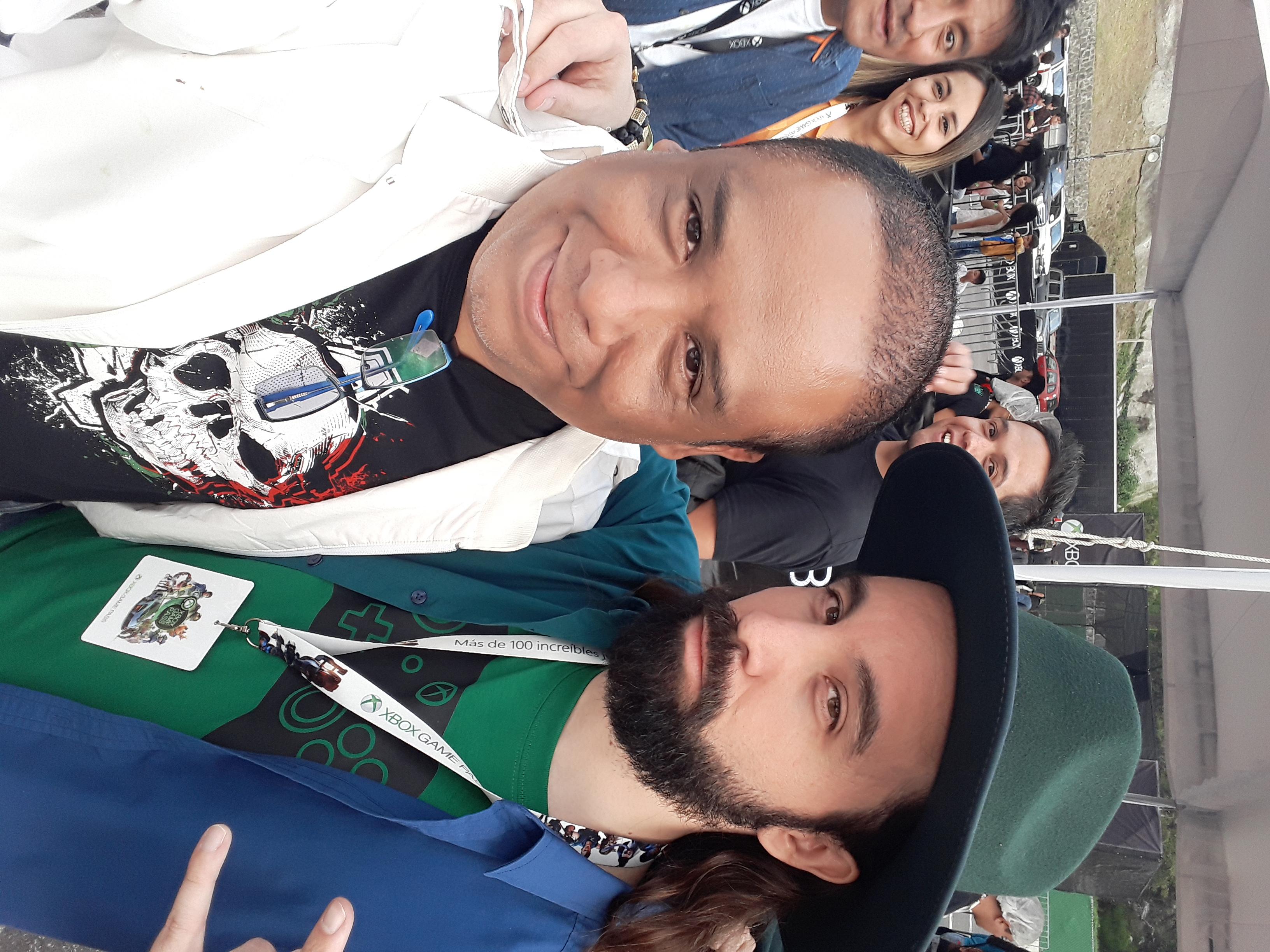 Con el Carlos Muños Chiken