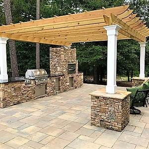 Doak Statham Outdoor Kitchen & Fire Pit