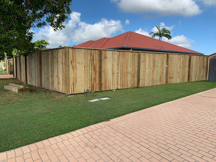 1.8m high flat top fencing with exposed