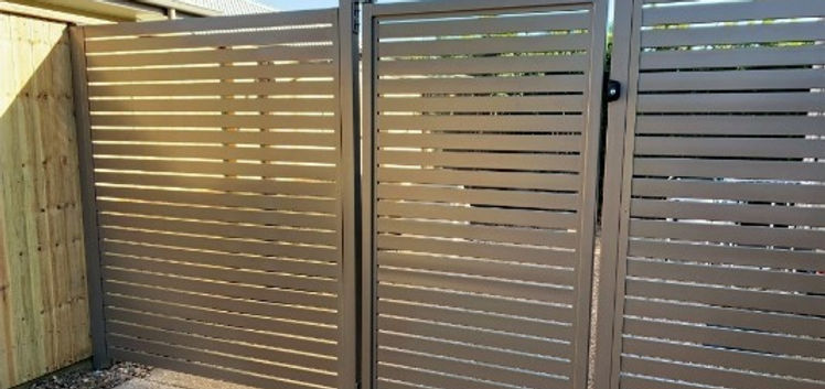 Horizontal%25252520aluminium%25252520slat%25252520fencing%25252520with%25252520key%25252520lockable%