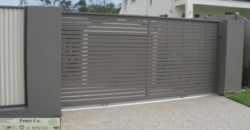 aluminium sliding gate horizontal slats.jpg