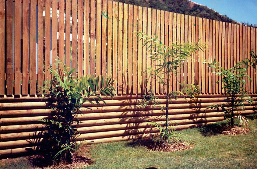 Award Fencing timber and retaining wall.jpg