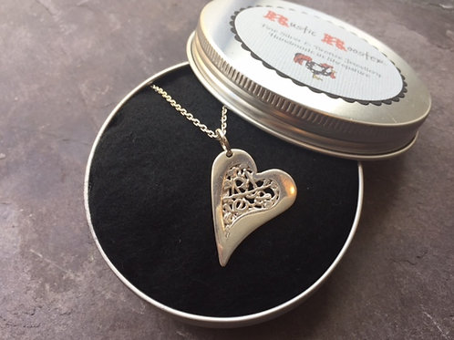 Fine silver Cut-Out Heart Filigree Necklace
